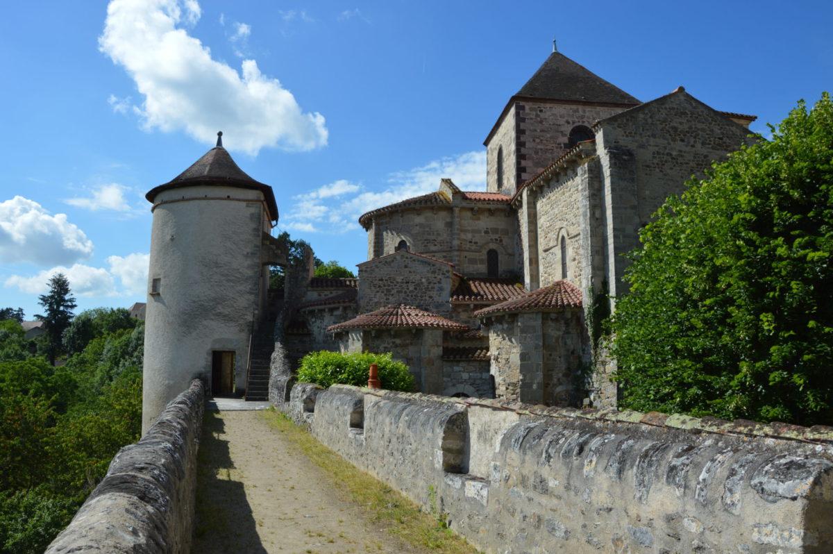 Abbaye de Chantelle © OT Val de Sioule