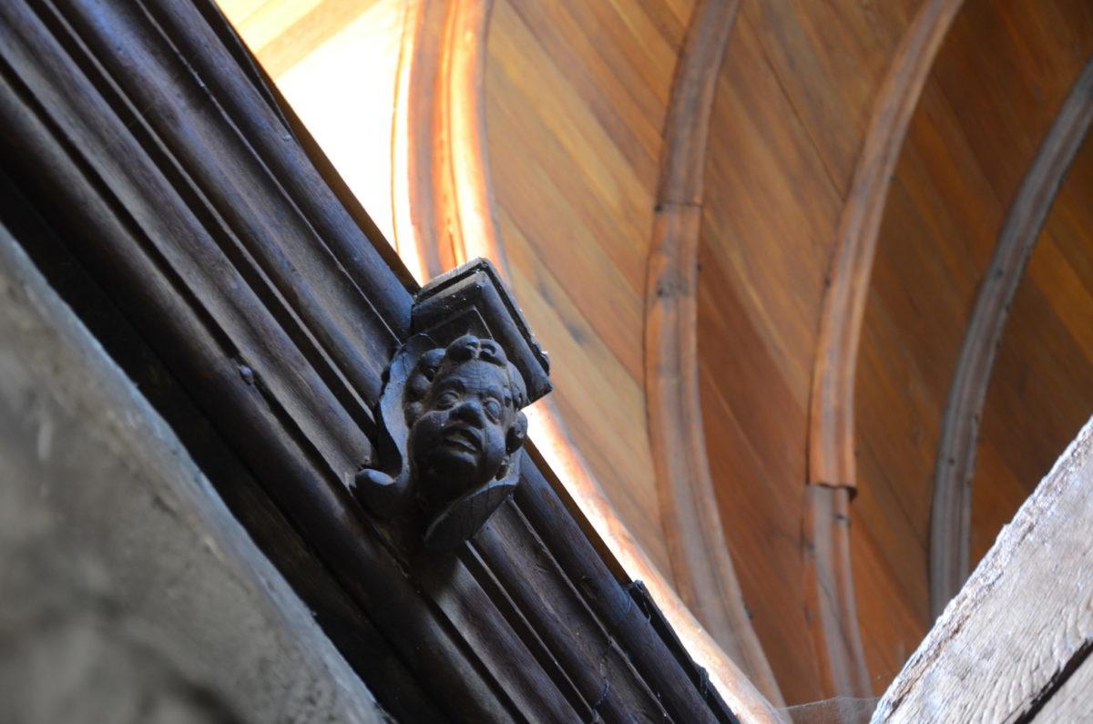 Modillons Église Sainte-Croix Saint-Pourçain © D. Cléret